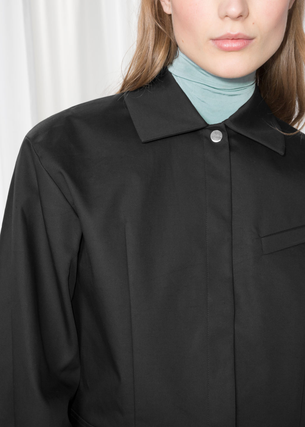 Detailed image of Stories cropped jacket in black
