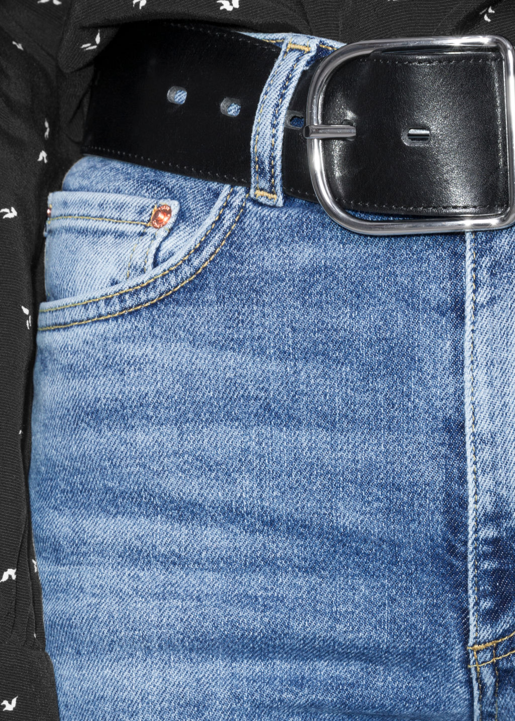 Detailed image of Stories straight slim fit jeans in blue