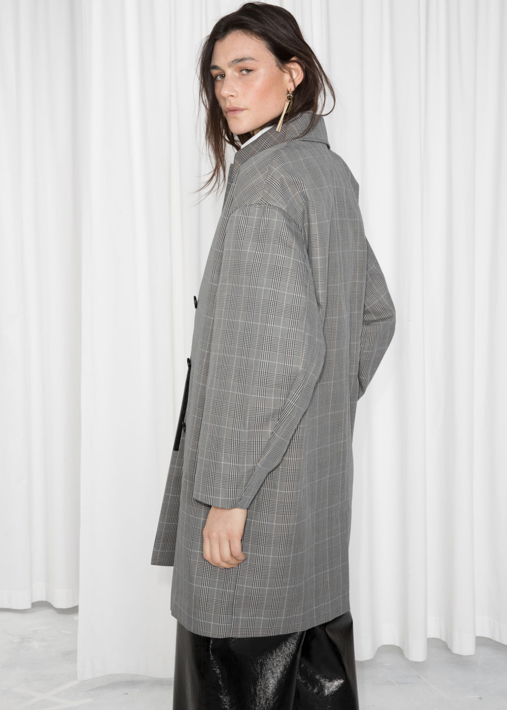 Detailed image of Stories plaid cacoon coat in grey
