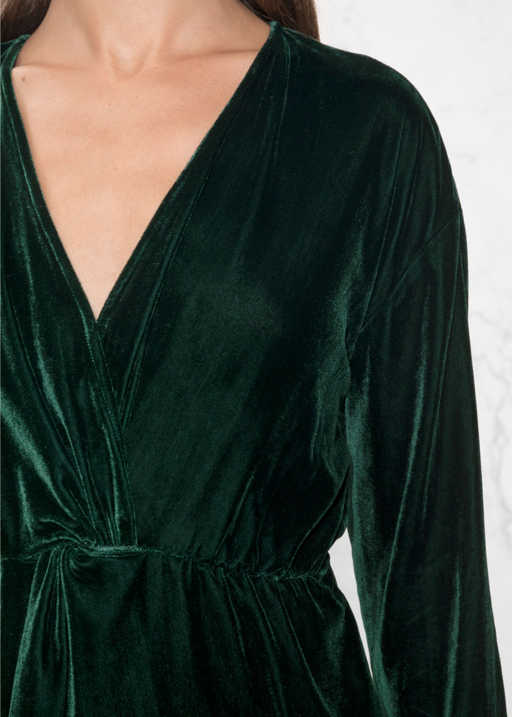 Detailed image of Stories velvet dress in green