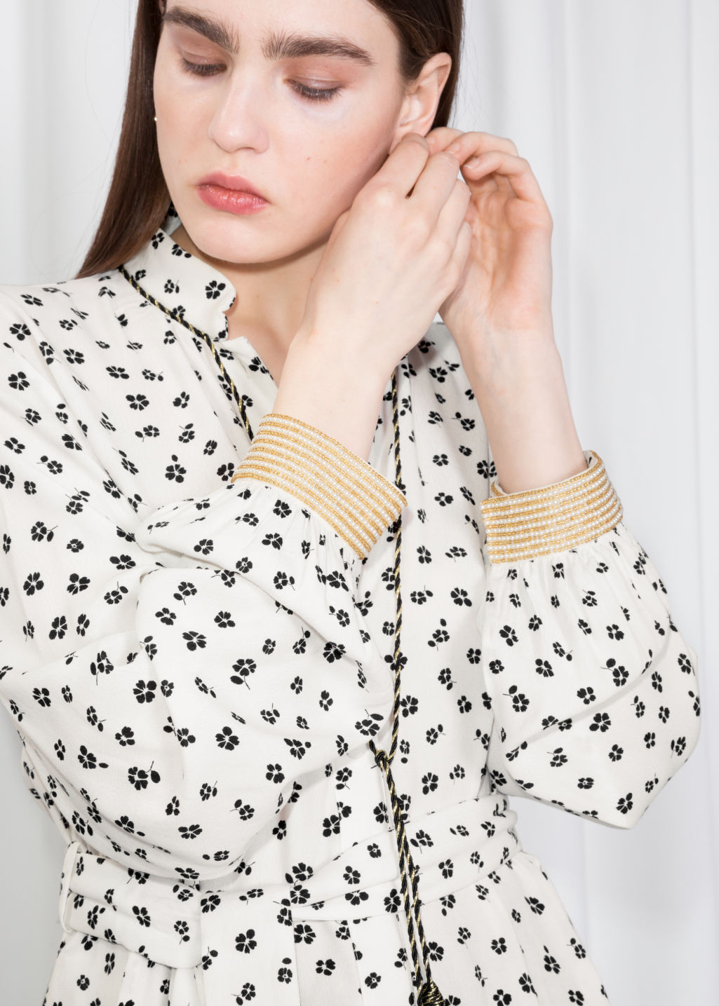 Detailed image of Stories printed tunic in white