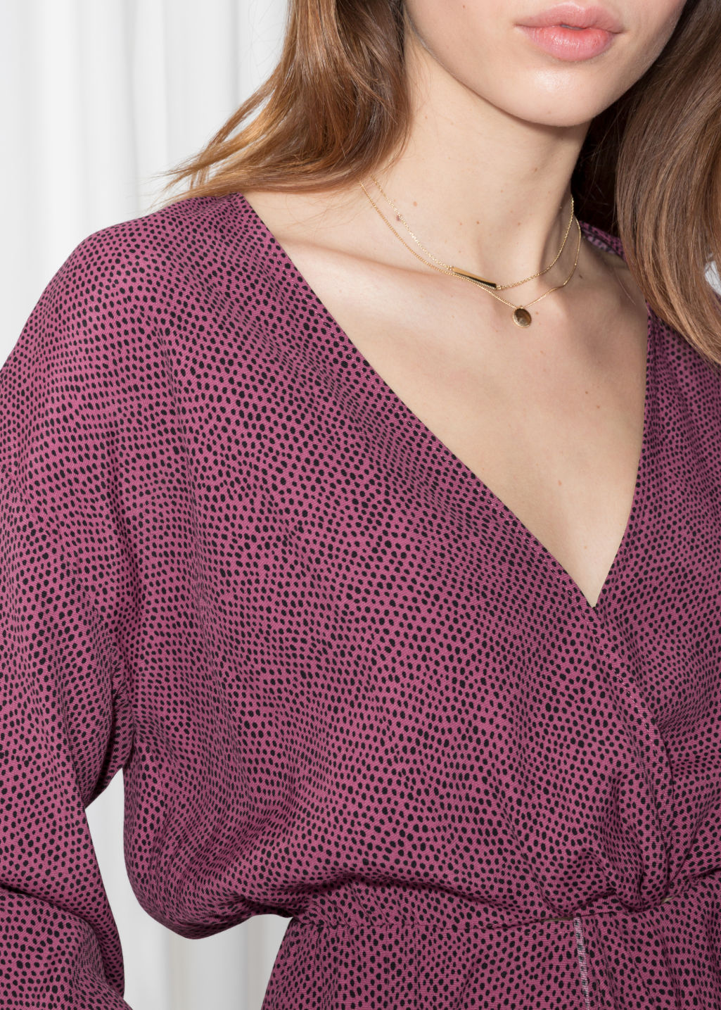 Detailed image of Stories knotted top in pink