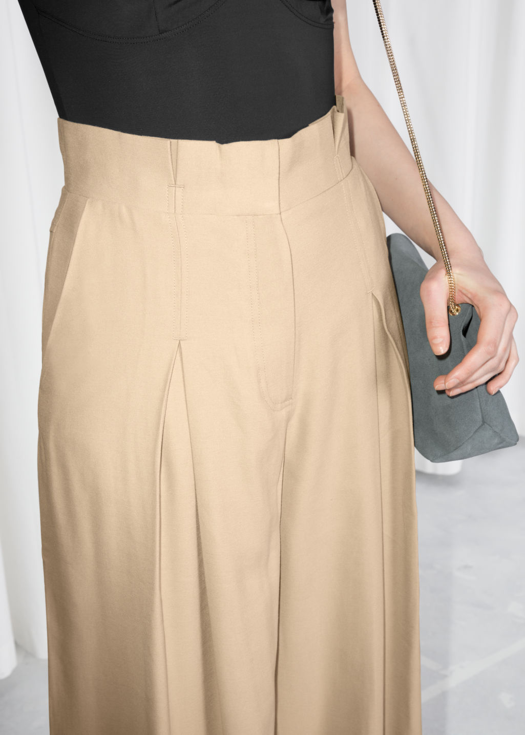 Detailed image of Stories paperwaist wide trousers in beige